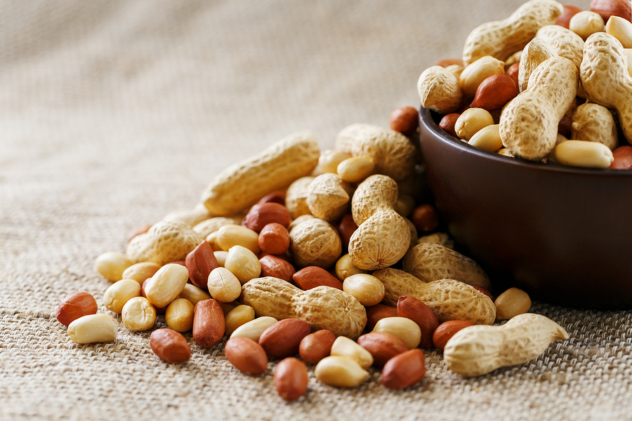 Raw Jumbo Virginia Peanuts